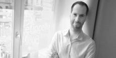 """Sébastien Hordeaux (""""On a l'impression, avec lui, que tout est possible !"""", dit de lui un de ses premiers clients, tandis qu'un autre ironise gentiment : « Son seul défaut, c'est qu'il est sur 10.000 projets en même temps »)"""