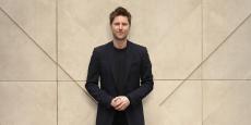 A 45 ans, Christopher Bailey est directeur général et directeur artistique de la maison Burberry.
