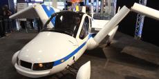 D'autres entreprises comme Terrafugia sont aussi dans la course à la construction d'une voiture volante.