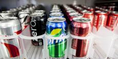 """Fixée à 7,53 euros par hectolitres, la """"taxe soda"""" représente 2,5 centimes d'euros par canette de 33 centilitres."""