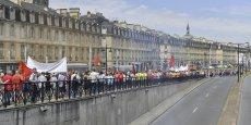 Plusieurs milliers de manifestants hier jeudi, ici sur les quais