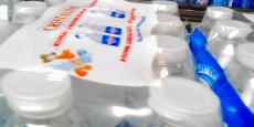 """Si l'expérience devait s'avérer positive, en termes de respect de la cadence de production comme d'accueil de la part des consommateurs (grâce à une campagne d'affichage prévue en août), """"le nouveau bouchon pourrait être déployé sur les bouteilles de 50 cl au niveau national dès 2017"""", affirme le responsable industriel du groupe Ludovic Viel."""