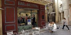 """Le fameux """"Bar du Mistral"""" de """"Plus Belle la vie"""" va-t-il faire de la publicité pour le pastis ?"""