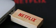 Que les 500.000 abonnés payants françaisde Netflix se rassurent, la fermeture des bureaux parisiens n'entraînera pas l'arrêt du service.