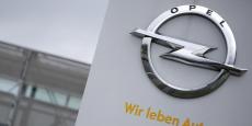 Opel est commercialisé sous la marque Vauxhall au Royaume-Uni. Le groupe dispose de deux usines outre-manche qui pourraient ainsi faire les frais des effets de changes plus volatiles de la livre.