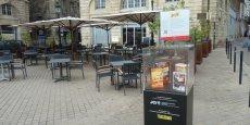 Les produits fabriqués localement sont installés dans des présentoires Bord'Origine sur les places fréquentées de Bordeaux