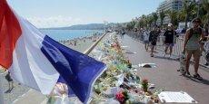 À Nice, sur la Promenade des Anglais, le mémorial improvisé par la population en hommage aux victimes de l'attentat du 14 juillet.