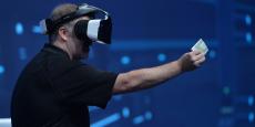 Le casque Project Alloy permet de faire rentrer le monde physique dans le monde virtuel, selon Intel.