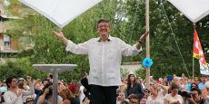Jean-Luc Mélenchon a rassemblé 2 500 sympathisants dans le jardin de l'Observatoire de Jolimont.