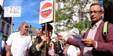 Des manifestants protestaient ce dimanche 11 septembre à Lannion, contre les travaux d'extraction entamés par la Compagnie armoricaine de navigation (CAN).