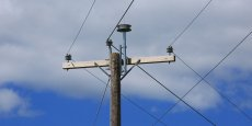 Cette technologie repose sur des antennes à bas prix installées au sommet des poteaux électriques.