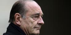 Jacques Chirac est hospitalisé à l'hôpital de la Pitié-Salpêtrière à Paris pour soigner une infection pulmonaire.