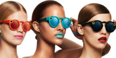 Pour fabriquer les Spectacles, Snap Inc. a racheté Vergence Labs, un fabricant de lunettes connectées stylisées, et embauché la designer Lauryn Morris. .