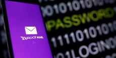 Le portail internet est au cœur d'un large scandale puisque selon Reuters il aurait conçu à la demande d'agences gouvernementales un logiciel espion conçu pour analyser et regarder l'ensemble des emails de ses centaines de millions d'utilisateurs.
