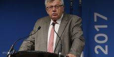 Le secrétaire d'Etat au Budget, Christian Eckert, défend un budget 2017 qui augmente les dépenses