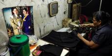 Les thaïlandais vont devoir porter des habits noirs pendant une période de deuil de 30 jours en l'honneur du roi Bhumibol Adulyadej, décédé le 13 octobre 2016.