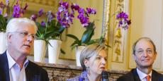 François Bacchetta, directeur général d'easyJet pour la France, Virginie Calmels, adjointe au maire de Bordeaux, et Pascal Personne, directeur de l'aéroport de Bordeaux Mérignac