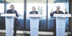 Miriem Bensalah Chaqroun,  « patronne des patrons » marocains, prononçant  un discours sur l'engagement dans la lutte climatique, à Paris au siège  du Medef,  en compagnie  du président Pierre Gattaz (C) et  de Gérard Mestrallet (G), PDG de Engie,  en décembre 2015.