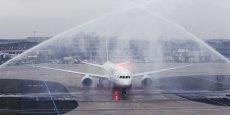 Traditionnel water salute pour le B787 lors de son arrivée à Roissy ce vendredi