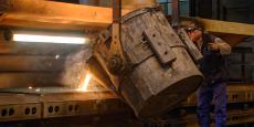 La Fonderie de Niederbronn a maintenu ses volumes de production conséquents (17.000 tonnes de produits finis en 2015) mais l'adaptabilité des outils a permis de lancer des petites séries : sur la chaîne de production, les ouvriers changent les moules et les modèles entre 15 et 20 fois par jour.
