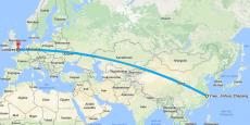 Si le train peut transporter 100 fois moins de conteneurs de marchandises que les cargos (200 contre 20.000) , le temps de trajet est nettement plus rapide, comme le souligne Bloomberg puisque l'acheminement par voie maritime peut prendre jusqu'à trente jours sur des destinations similaires. (Image d'illustration, via Google Maps).