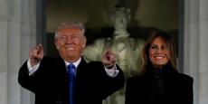 Donald J. Trump et son épouse Melania Trump devant le Lincoln Memorial à Washington, DC, jeudi 19 janvier.