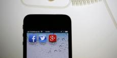 Facebook va mettre en place un dispositif permettant d'améliorer le signalement par ses utilisateurs d'informations potentiellement erronées et leur vérification grâce à un partenariat avec huit médias français.