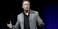 Elon Musk, PDG de Tesla et Space X, pense que le revenu universel va devenir nécessaire pour accompagner l'automatisation croissante.