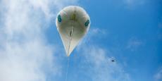 Les ballons de l'opérateur télécom britannique EE seraient aptes à planer à environ 45 mètres de hauteur pour déployer une couverture de 4 à 5 kilomètres.
