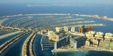 Dans les Emirats, l'augmentation du nombre de résidents implique une croissance des besoins en eau, notamment pour mettre en place une agriculture vivrière et donc réduire la nécessité d'importer de la nourriture, alors que les ressources locales sont extrêmement limitées, souligne Jean-Loïc Carré.