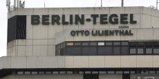 Le syndicat des services Verdi a appelé les personnels au sol des aéroports de Tegel et Schoenefeld à cesser le travail de 04h00 du matin (03h00 GMT) lundi à 05h00 (04h00 GMT) mardi.