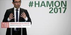 La politique économique de Benoit Hamon, basée sur une relance de la consommation, tourne le dos à la politique de l'offre menée par François Hollande. A la différence de ses rivaux, François Fillon et Emmanuel Macron qui prônent une hausse de la TVA ou de la CSG, le candidat socialiste promet de ne pas augmenter les impôts pesant sur les ménages