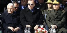 Il s'agira du meilleur pont au monde. Il liera l'Europe et l'Asie, a déclaré Recep Tayyip Erdogan, samedi lors de la cérémonie qui s'est tenue le jour de la commémoration de la bataille des Dardanelles, qui a opposé à partir du printemps 1915 les troupes britanniques et françaises à celles de l'Empire ottoman et s'est terminée par un cuisant revers pour les Alliés après neuf mois de combat.