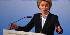 Ursula von der Leyen, ministre de la Défense allemande, a rappelé qu'au delà de l'Otan les dépenses militaires sont destinées aussi à nos missions de paix dans le cadre de l'ONU, à nos missions européennes et à notre contribution à la lutte contre l'(organisation) Etat islamique.