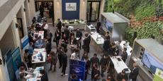 Au Village by CA de Paris, ouvert en octobre 2014, le Crédit Agricole héberge 88 startups sur 1.800m2 en plein cœur du 8e arrondissement.
