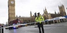 UN ASSAILLANT ATTEINT PAR DES TIRS DANS L'ENCEINTE DU PARLEMENT DE LONDRES