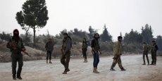 SYRIE: DES HOMMES DES FDS ACHEMINÉS PAR VOIE AÉRIENNE VERS TABKA