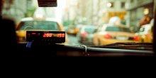 Compteur d'un taxi new-yorkais (VTC, taxis vs VTC, voiture de tourisme avec chauffeur, transport, appli de transport, guerre des taxis)