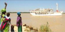 Le « Bou El Mogdad » remontant le fleuve Sénégal.