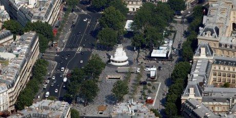 La place et la station de metro republique ont brievement ete evacuees a paris