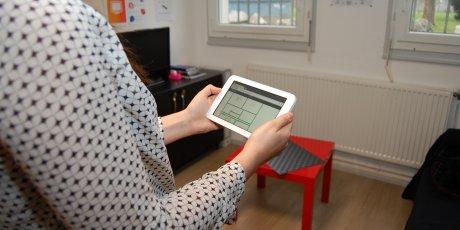 Boîtier LMH, Boîtier de contrôle de la consommation d'énergie, LMH, Geneviève Hermann, Lille Métropole Habitat, économies d'énergie, logement,