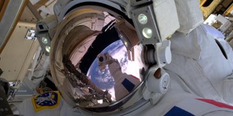 Thomas Pesquet, le vrai selfie, ESA/NASA, astronaute, cosmonaute, Station spatiale, Soyouz, CNES, Star City, fusée, mission Proxima, Oleg Novitsky,