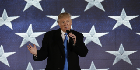 Trump se prepare a publier des decrets des le premier jour de son mandat