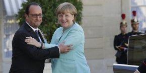 Sarkozy invite hollande a refaire son unite avec merkel