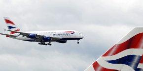 Le ministère des Transports a précisé qu'il allait proposer la mise en oeuvre de règles contraignantes en matière de nuisances sonores, censées apaiser les craintes des riverains de l'aéroport.
