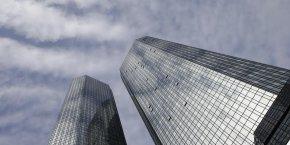 Perte nette de 6,7 milliards d'euros en 2015 anticipee par deutsche bank