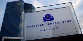 La faiblesse des taux d'intérêt, conséquence de la politique monétaire ultra-accommodante de la BCE, pèse sur la marge nette d'intérêt que les banques tirent de leur activité de transformation.