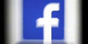 Facebook avait dépensé plus de 50 millions de dollars pour développer le live auprès des médias et des célébrités.