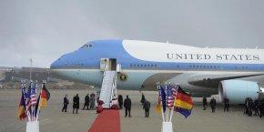 Boeing construit un tout nouveau 747 Air Force One pour les prochains présidents mais le coût est exorbitant, plus de quatre milliards de dollars. Annulez la commande !. Un tweet de Donald Trump