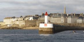 Développé au niveau départemental par Rennes Métropole et Saint-Malo (photo) Agglomération, ce dispositif territorial doté d'un fonds de financement a été lancé en mars dernier.